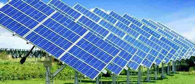 que placas solares producen mas energia monocristalinos o policristalinos